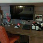 TV/Wasserkocher/Schreibtisch