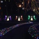 Shrine garden path lights