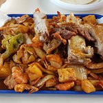 tray of ribs and shrimp