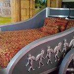 Chariot bed in Roman Suite