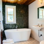 Babylon Log Cabin Bathroom