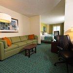 Photo de SpringHill Suites Lawton
