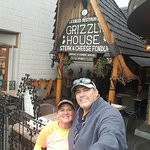 Фотография Grizzly House Restaurant