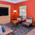 TownePlace Suites Ontario Airport resmi