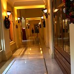 Raffles Hotel Le Royal Resmi