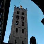 Vista del campanario desde el claustro