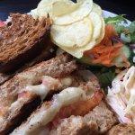 Colston Bakeries & Cafe Deco resmi
