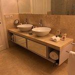 Love having double sinks!