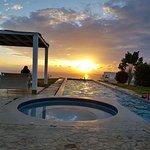 Vista de amanecer desde la piscina