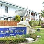 Dolphin Lodge resmi