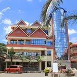 Nuru Palace Hotel