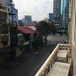 Photo de Tan Hoang Long Hotel