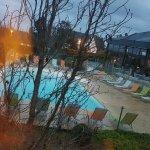 Vue de la Chambre : piscine ...