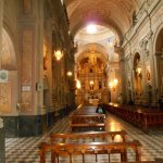 El Interior de La Iglesia hermosa