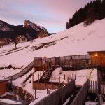 Plusieurs bains nordiques au pied des pistes de ski. Juste surréaliste !
