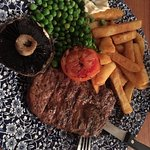 Delicious food, authentic london atmosphere !!