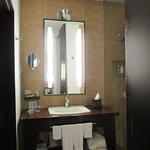 Photo de Hotel Le Germain Montreal