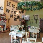 very cozy place, with goos food at very good prices and a wonderful fireplace! the menu is simpl