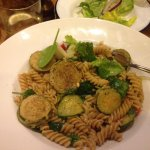spinach and courgette wholemeal pasta (vegan)