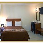 Photo de Hotel Casa de Oracion San Jose