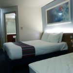Travelodge London Ealing Hotel Foto