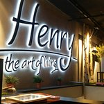 Henry The Art of Living照片