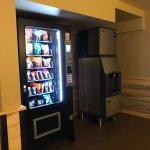 Lobby - ice and vending machines