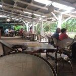 Foto de Playa Bluff Beach Restaurant