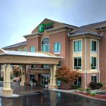Photo of Holiday Inn Express & Suites Richmond
