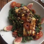 Kale and tofu salad with figs and nuts