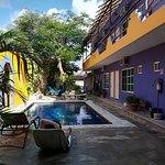 Photo de Weary Traveler Hostel