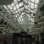 centro comercial por dentro