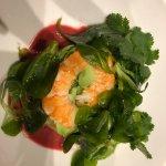 salade crevettes, avocats et vinaigrette betteraves