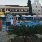 Photo de Roda Beach Resort & Spa