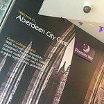 Photo de Premier Inn Aberdeen City Centre Hotel