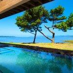 Stunning spa infinity pool