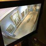 Looking at one of the galleries on a security monitor #mundosully