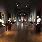 The bust gallery #mundosully