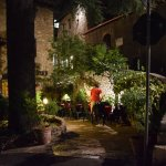piccolo cortile interno all'ingresso dell'Hotel