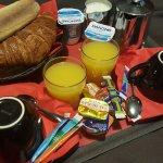 Desayuno en la habitación (8€)