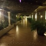 Entryway to the hotel lobby.