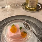 Et pour finir chacun sa demi bouteille de champagne Amour de Deutz et son pendentif....