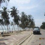Avenida paralela a la playa