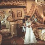 Bride Preparation in the wedding suite inside San Crispolto chapel