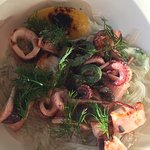 The green bowl was beautiful, healthy and tasty. The squid w yam noodles was amazing!