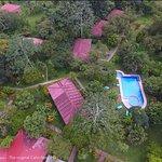 hotel de campo Caño Negro con su jardín botánico que se extiende por 5ha