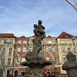 Photo de Old Market Square