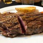 Carne exquisita, trato cercano y amable.