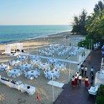 ตรงชายหาด มีจัดงานแต่งงาน