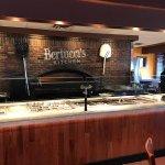 Bertucci's Kitchen & Bar resmi